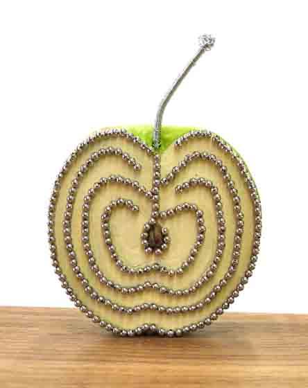 Apple_Fingr_Labyrinth_Labyrinth_side_small_file_THE_PLAZA_copy