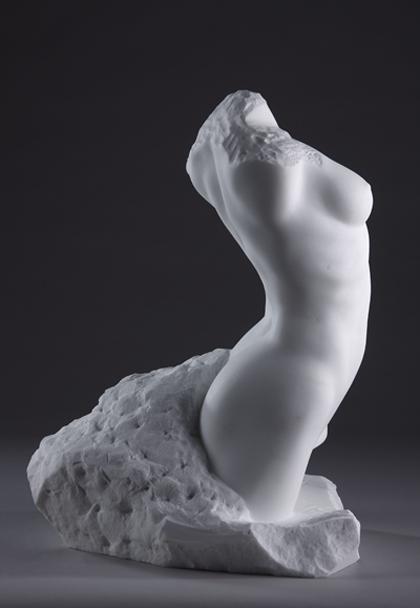 Lora-Marble-web-9264