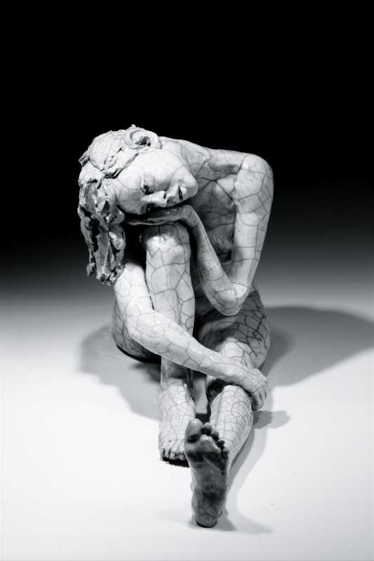 Woman_Head_on_Knee_F-BW-L-Bob_Clyatt_Sculpture